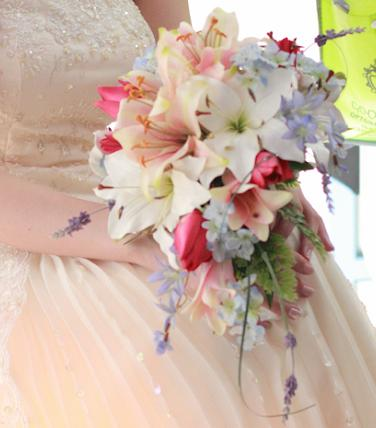 artificial_silk_wedding_bouquet_lily_mixed_flowers_bridal.jpg